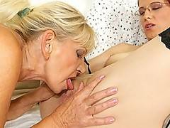 Kinky babe pissing and licking an old horny dame