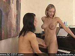 lucky lesbians - Mackenzie Star and Beverly Hills